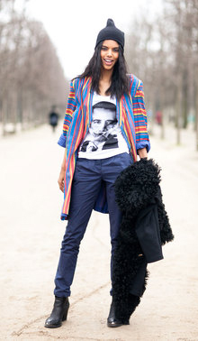 彩虹条纹是现下流行新风尚,尖头帽更青春更摩登。