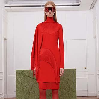 只有Givenchy,才能将红色演绎得这么高贵而有霸气吧!