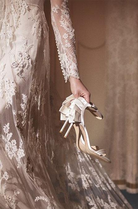 穿上公主的梦幻玻璃鞋出嫁:Jimmy Choo 2017婚嫁系列鞋款,是每位女生心目中的Dream Shoes!