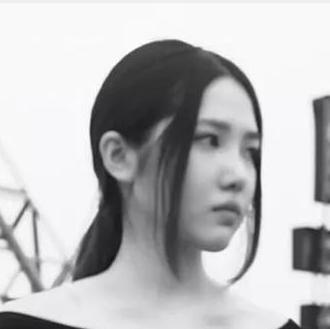 言行举止都酷的女孩,在北京只去一个地方买衣服